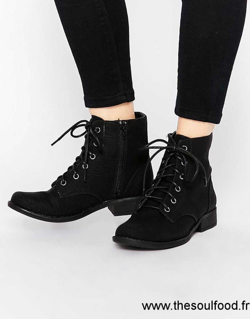 new look bottines plates lacets femme noir chaussures new look france jm40003085. Black Bedroom Furniture Sets. Home Design Ideas