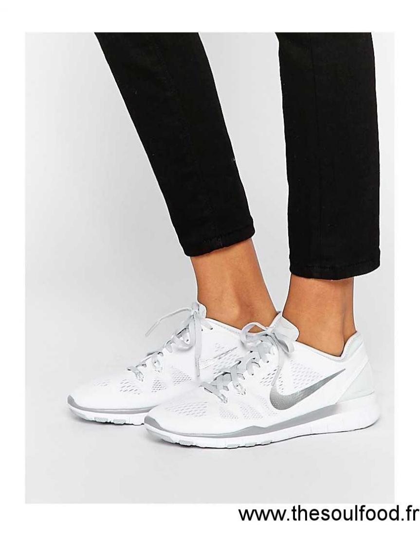 fa8d51ed60d Nike - Free 5.0 Tr Fit - Baskets - Blanc Et Argenté Femme Blanc Et Argenté  Chaussures