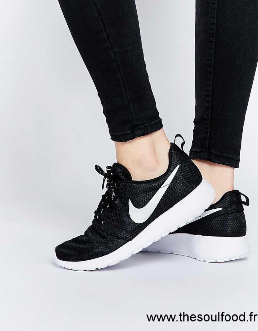 Run Baskets Nike Noir Roshe Chaussures Femme xodrCBe