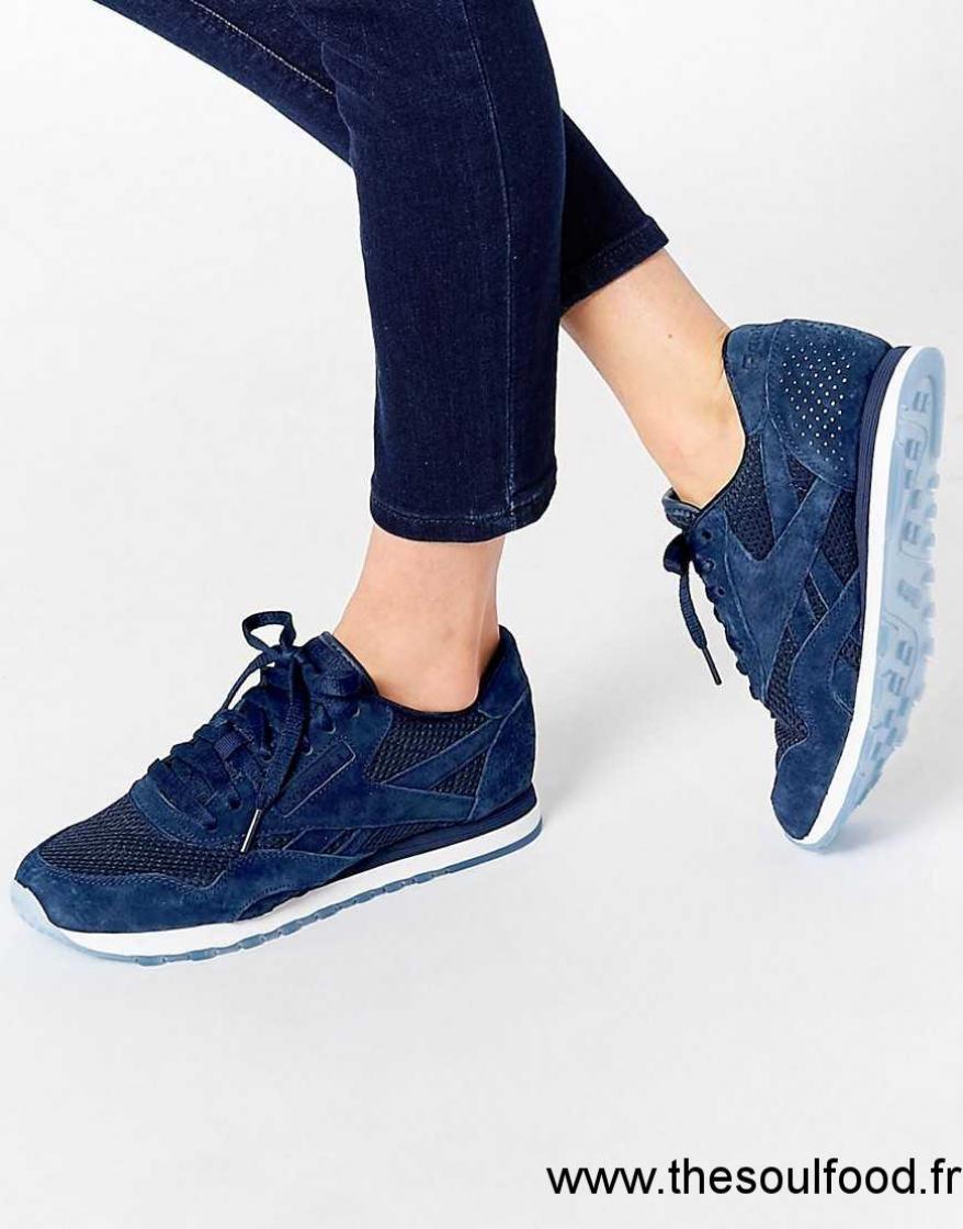 84b2d5bd6e1 Reebok - Baskets Techniques En Nylon Et Daim - Bleu Marine Femme Bleu  Marine Universitaire Blanc Chaussures