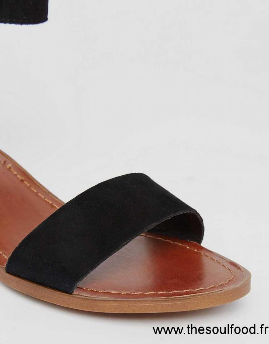 steve madden darcie sandale talon mi haut et pompon daim noir femme daim noir chaussures. Black Bedroom Furniture Sets. Home Design Ideas