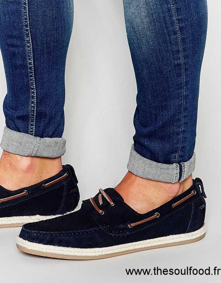 d5235f0f6e5 Asos - Chaussures Bateau En Daim Avec Bordure En Jute - Bleu Marine Homme  Bleu Marine Chaussures ...
