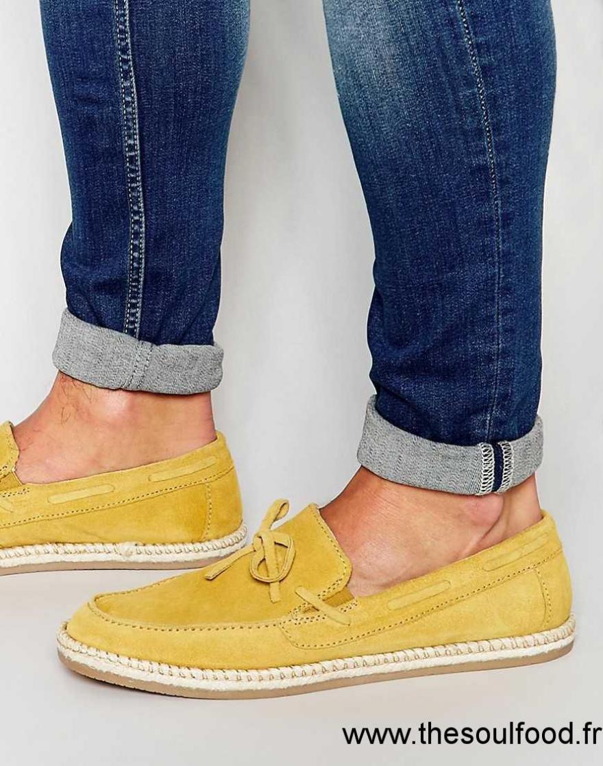 9601bb062c7d Asos - Mocassins En Daim Noués Sur Le Devant - Jaune Moutarde Homme Jaune  Chaussures