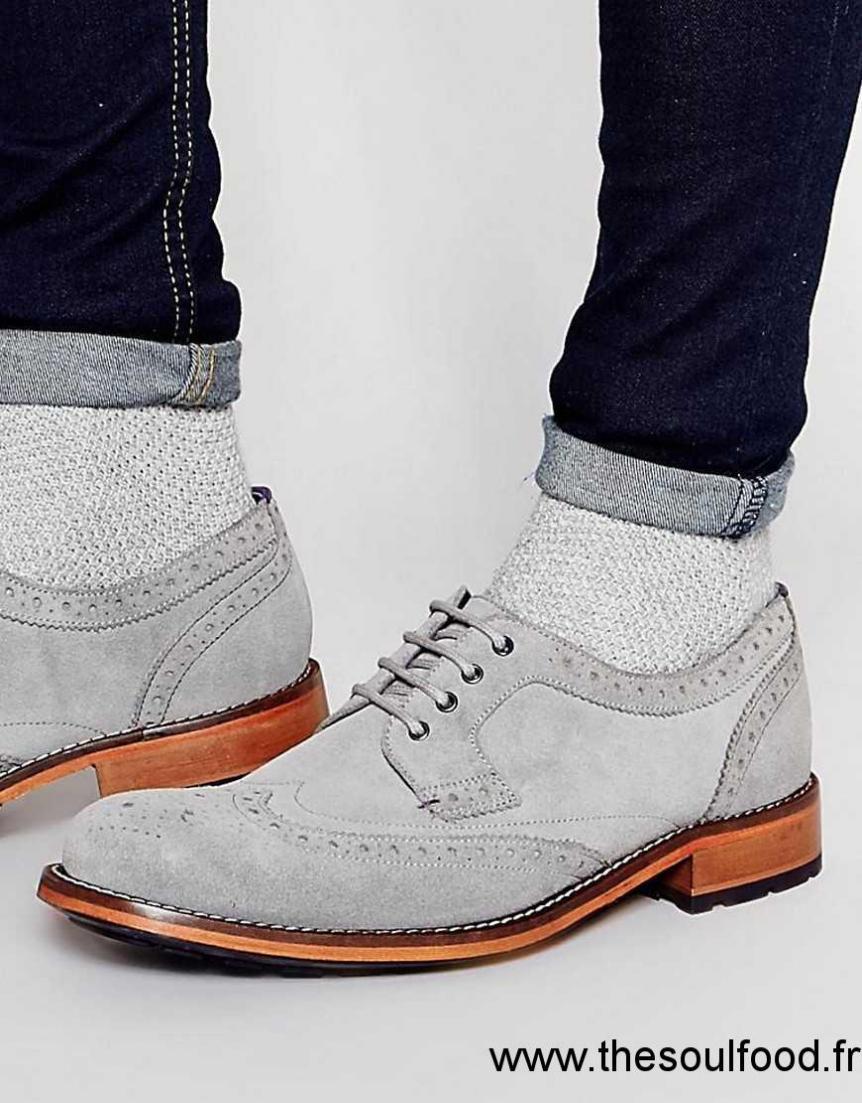 chaussure daim gris ecco classique shoes hommes ecco classique shoes hommes. Black Bedroom Furniture Sets. Home Design Ideas